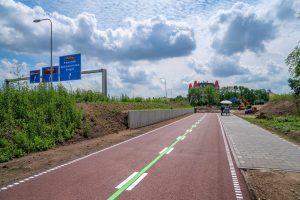 De F261 als voorbeeld hoe een breed en nieuw aangelegde snelfietsroute eruit komt te zien